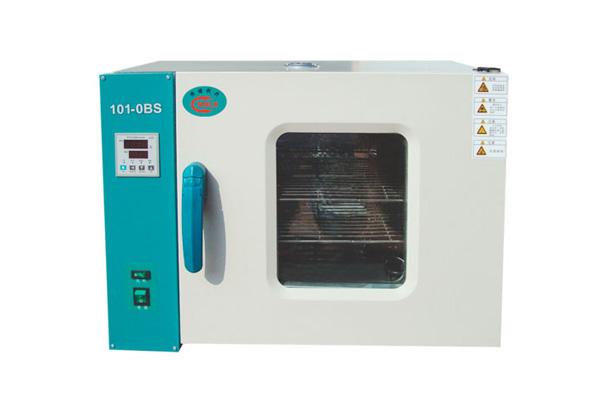 101系列电热鼓风干燥箱